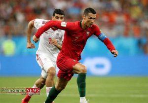 Football 3 4T 300x209 - حذف سرافرازانه تیم ملی ایران از گروه مرگ/ داور پاراگوئهای، پرتغال را به مرحله بعد فرستاد