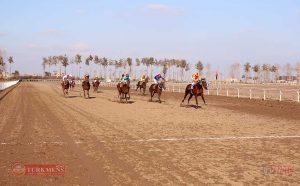 GonbadHorse TN 1 300x186 - هفته شانزدهم کورس اسبدوانی پاییزه گنبدکاووس برگزار شد+عکس