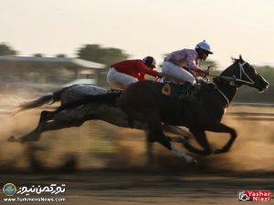 Hafteye Dovom 4 300x225 - گزارش تصویری هفته دوم مسابقات اسبدوانی بهاره گنبدکاووس
