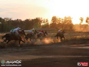 Hafteye Dovom 9 300x225 - گزارش تصویری هفته دوم مسابقات اسبدوانی بهاره گنبدکاووس