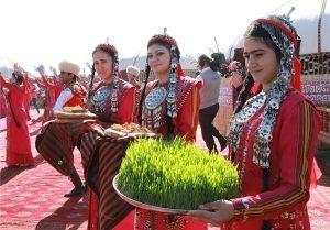 IMG 0001 3 300x209 - جشن نوروز، بهار و زن در ترکمنستان