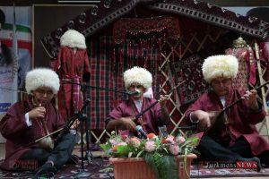 IMG 0065 300x200 - مراسم رونمایی از کتاب زبان و ادبیات ترکمنی+تصاویر