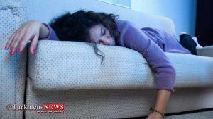 Kanape 31 1F 300x169 - آیا می دانید که هرگز نباید روی کاناپه بخوابید؟
