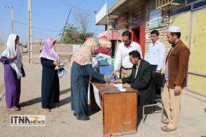 Komak Zelzeleh ITNAnews 1 300x200 - کمکهای مردمی اهالی روستای آجی قوشان+فیلم و مصاحبه