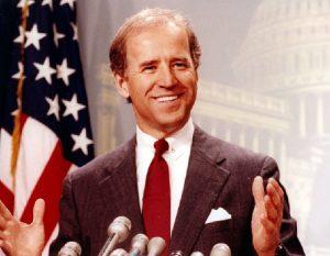 Moments from Joe Bidens career 1 1 300x233 - جو بایدن کیست؟ زندگی و اصول اخلاقی-سیاسی مردی که از تراژدیهای بزرگ عبور کرد