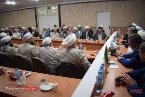 Rohaniun TurkmensNews 5 300x200 - روحانیون هدایتگران و رهبران دینی جامعه هستند