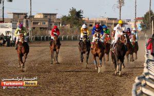 TN 1 7 300x188 - روز اول هفته چهاردهم مسابقات اسبدوانی زمستانه گنبدکاووس برگزار شد+عکس