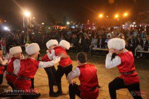 TurkmensNews Yadvareh 63 300x200 - یادواره پدر فرش ترکمن استاد نیاز محمد نیازی در جوار گنبدقابوس برگزار شد+تصاویر
