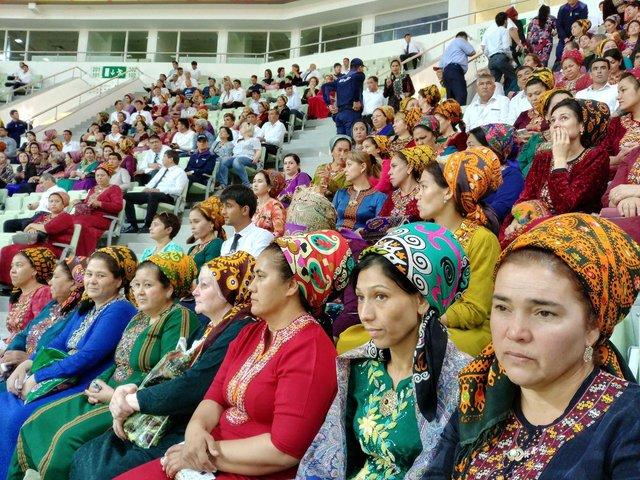 Zanan Turkmen 27 Sh - از استقبال زنان ترکمن تا هدیه ویژه تاهیتی برای ایرانیها
