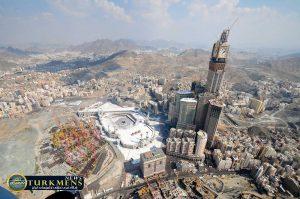 abraj al bait 13 300x199 - بزرگترین هتل جهان در شهر مقدس «مکه» افتتاح میشود