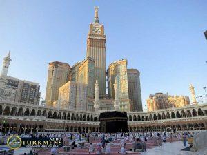 abraj al bait 26 300x225 - بزرگترین هتل جهان در شهر مقدس «مکه» افتتاح میشود