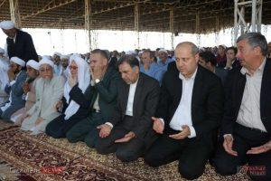 aid kalale 9 300x200 - وزیر راه و شهر سازی در نماز عید فطر کلاله شرکت کرد+تصاویر