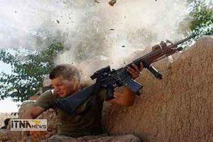 ali3 21a 300x200 - شباهت سرباز آمریکایی به علی دایی! عکس