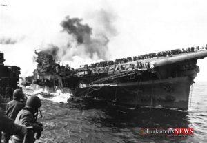 attack on carrier uss franklin 19 march 1945 w700 300x207 - «لرزاننده بهشت»: اژدر انتحاری ژاپنی که به کابوس کشتی های آمریکایی تبدیل شد
