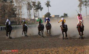 d5turkmensnews 17e 300x182 - هفته سی و سوم مسابقات اسبدوانی کورس زمستان ۹۶ گنبدکاووس برگزار شد+عکس
