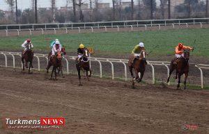 dor1 2 300x193 - هفته بیست و نهم رقابتهای اسبدوانی کورس زمستان ۹۶ گنبدکاووس برگزار شد+عکس