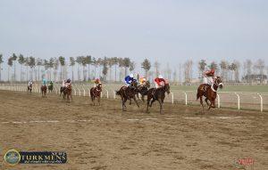 dore 2 1 300x191 - هفته بیست و دوم رقابتهای اسبدوانی کورس زمستان 96 گنبدکاووس برگزار شد+عکس