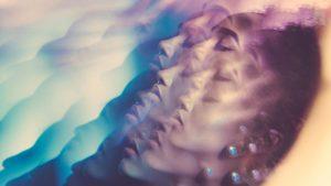 dreaming woman 1296x628 facebook 800x450 300x169 - چرا انسان خواب میبیند و چطور از ذهن خود محافظت میکند؟