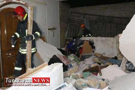 ویران شدن ساختمان دو طبقه بر اثر انفجار گاز در بندرترکمن
