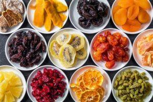 fruit 300x200 - میوه خشک را چگونه تهیه کنیم که رنگش تغییر نکند؟