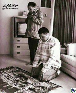 نماز محمد علی کلی و دخترش