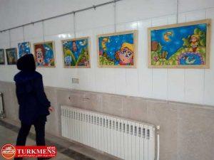 namayeshgah 18d 300x225 - نمایشگاه تصویرسازی برای کودکان در بندرترکمن آغاز بکار کرد