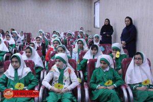 photo 2017 12 26 17 01 13 300x200 - در دیدار چهره به چهره با دانش آموزان دبستان دخترانه مهر آموزش بهداشتی و موضوعات مرزی به آنان داده شد