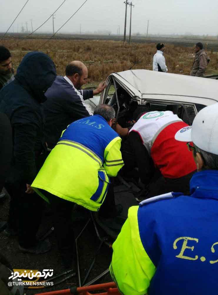 انحراف مسیر پراید در آزادشهر یک کشته و یک مصدوم بر جای گذاشت
