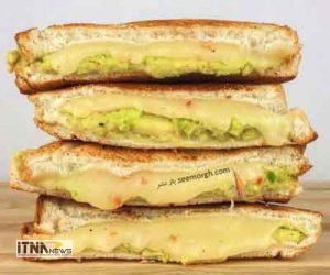 sandvich 11a 300x250 - ساندویچ آووکادو و پنیر