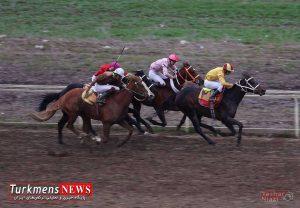 sheshom 27b 300x208 - هفته بیست و هشتم رقابتهای اسبدوانی کورس زمستان ۹۶ گنبدکاووس برگزار شد+عکس