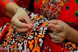 sozan 500x330 300x198 - افتتاح مرکز تخصصی صنایع دستی در شهرستان ترکمن