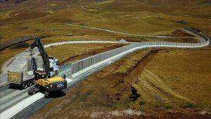 thumbs b c c256c608edad354c6d3b543d351e0ffe 300x169 - منافع احداث دیوار مرزی برای ترکیه و ایران